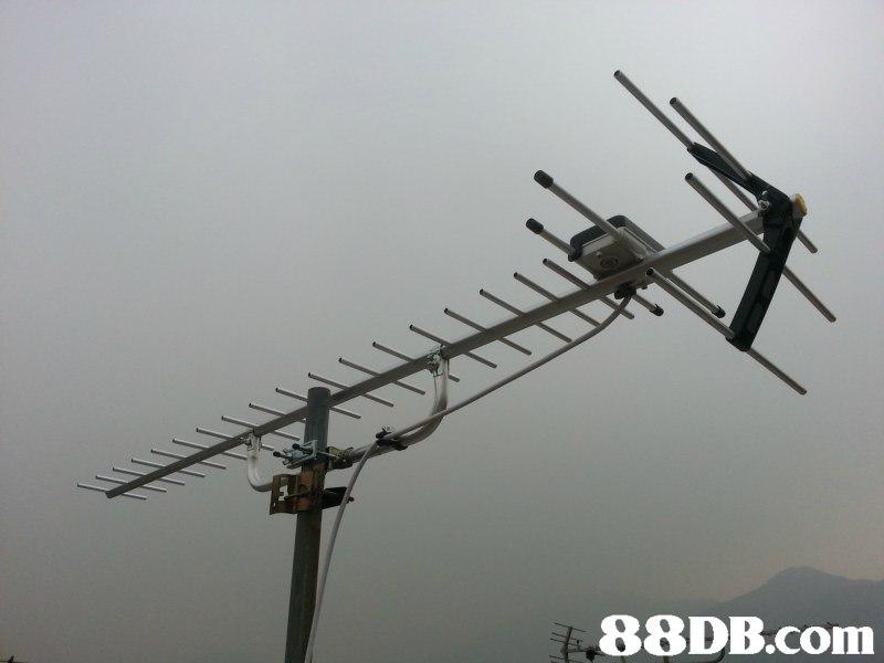 television antenna,technology,antenna,electronics accessory,sky