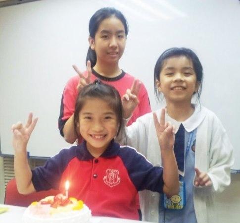 * 誠意給雙、單非學童一個溫暖的家 * 讓學童早日適應香港生活文化 *