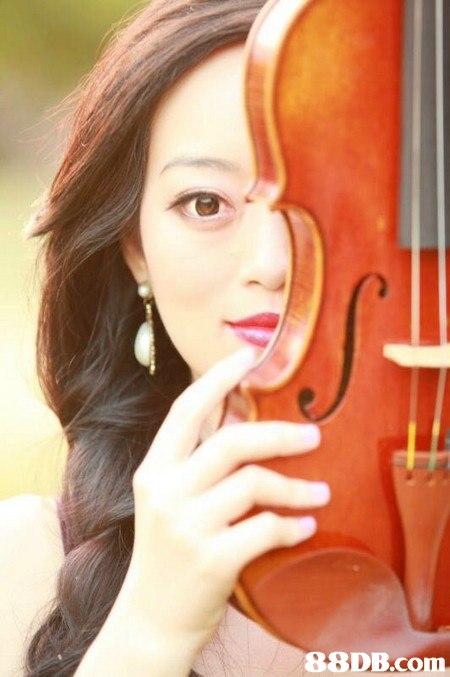 violinist,chin,cheek,lip,violist