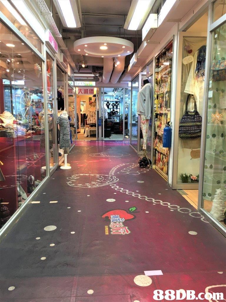 """大減價""""   Building,Floor,Shopping mall,Lobby,Interior design"""