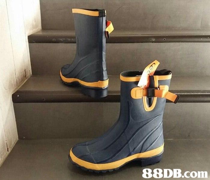Footwear,Shoe,Boot,Yellow,Snow boot