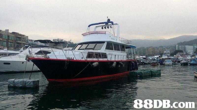 boat,water transportation,passenger ship,motor ship,mode of transport