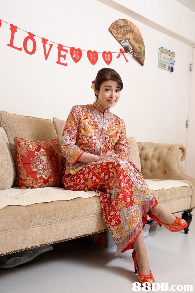 sitting,kimono,textile,furniture,girl