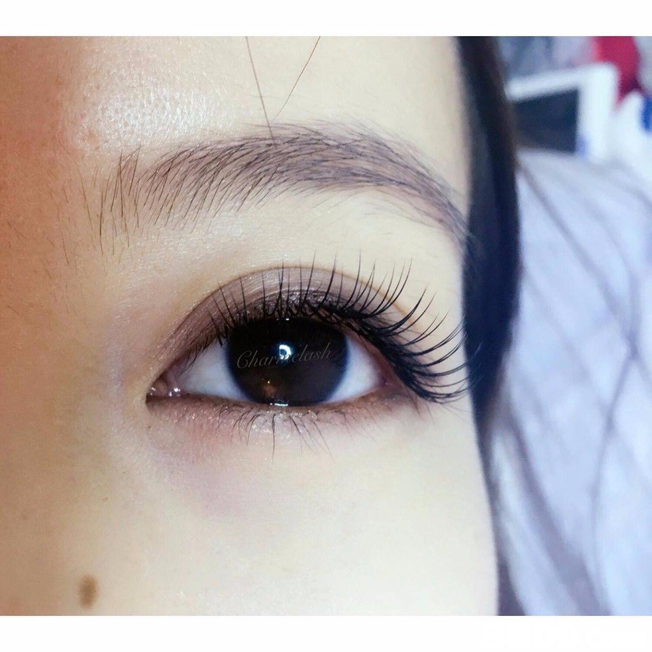 eyebrow,eyelash,eye,close up,forehead