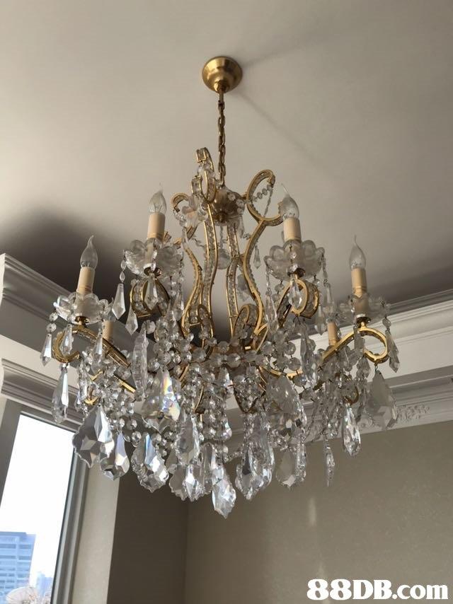 light fixture,chandelier,lighting,decor