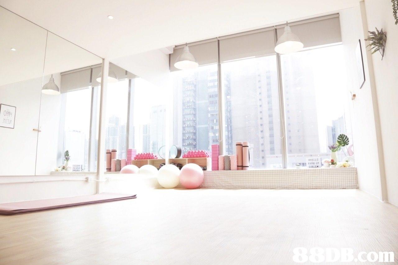 ARM UP com  White,Property,Room,Interior design,Floor