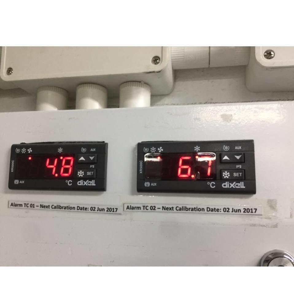 困AUX AUX prg prg SET °C dixell SET AUX AUX oc dixell Alarm TC 01 -Next Calibration Date: 02 Jun 2017 Alar m TC 02 -Next Calibration Date: 02 Jun 2017  electronics