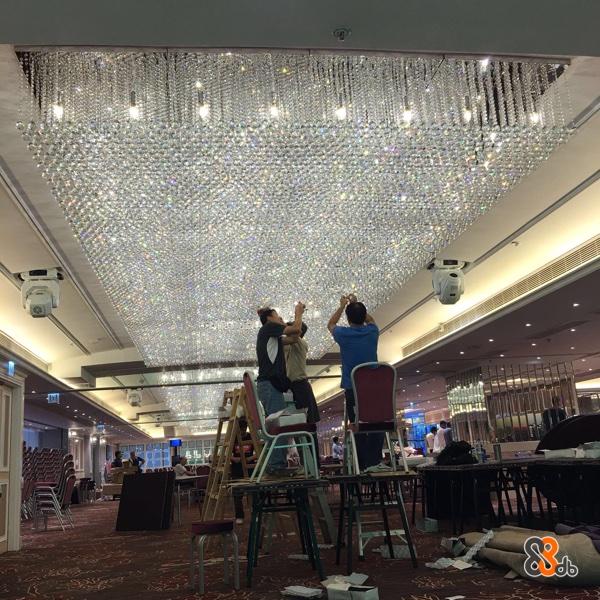 方記電器燈飾工程,三十多年經驗安裝世界各款燈飾,香港機電處電工A牌註冊技工。
