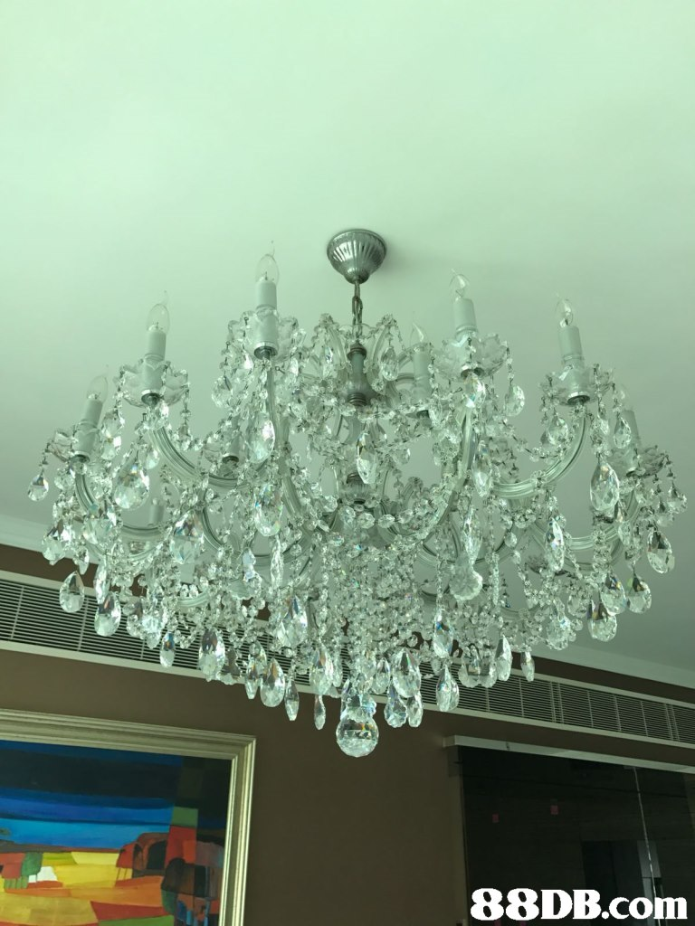 light fixture,chandelier,lighting,crystal,