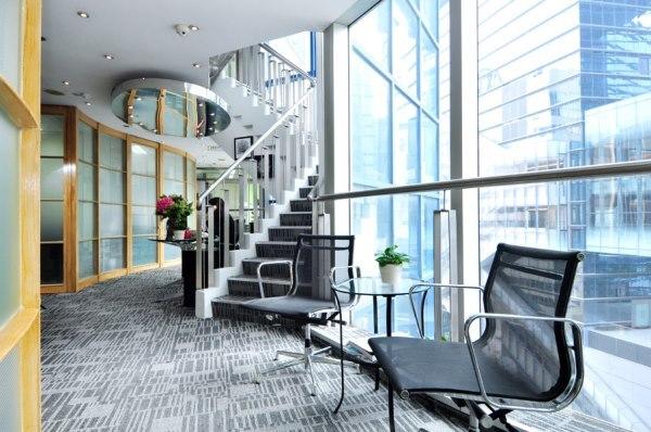 服務式辦公室首選,銅鑼灣港鐵站1分鐘,租辦公室搵開揚景色。