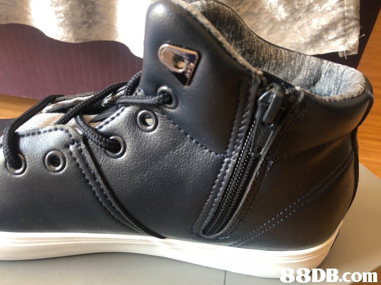 8DB.com  footwear,black,shoe,brown,product