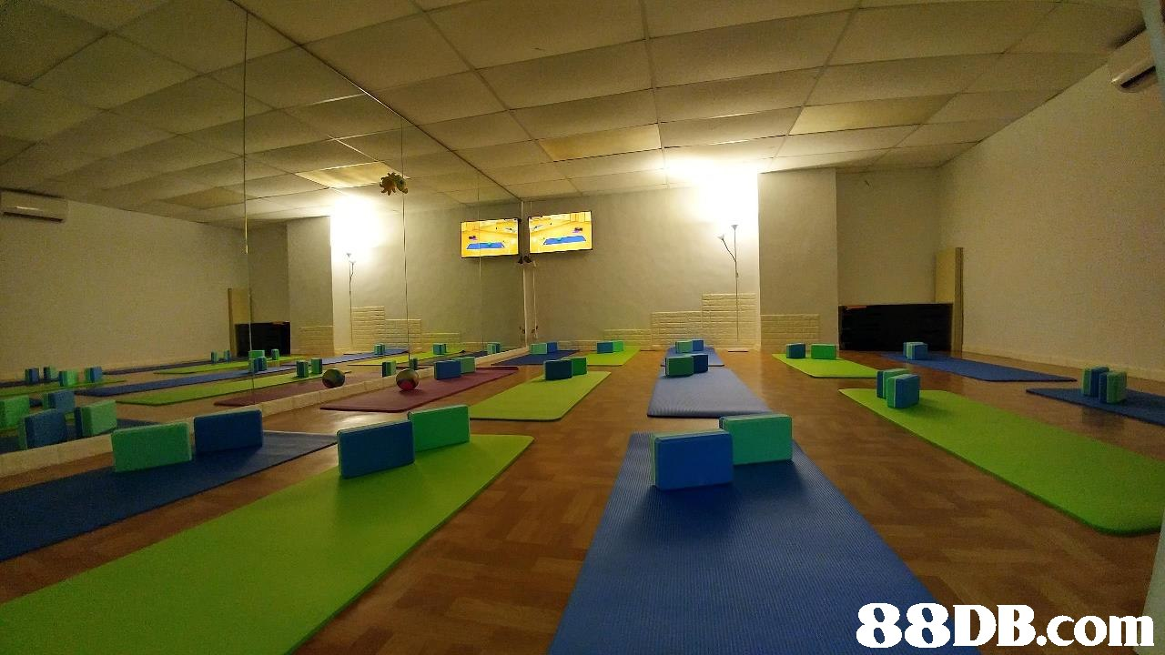 room,recreation room,sport venue,leisure centre,indoor games and sports