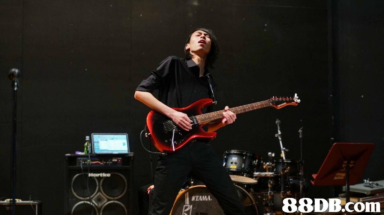TAMA 88DB.com  guitarist