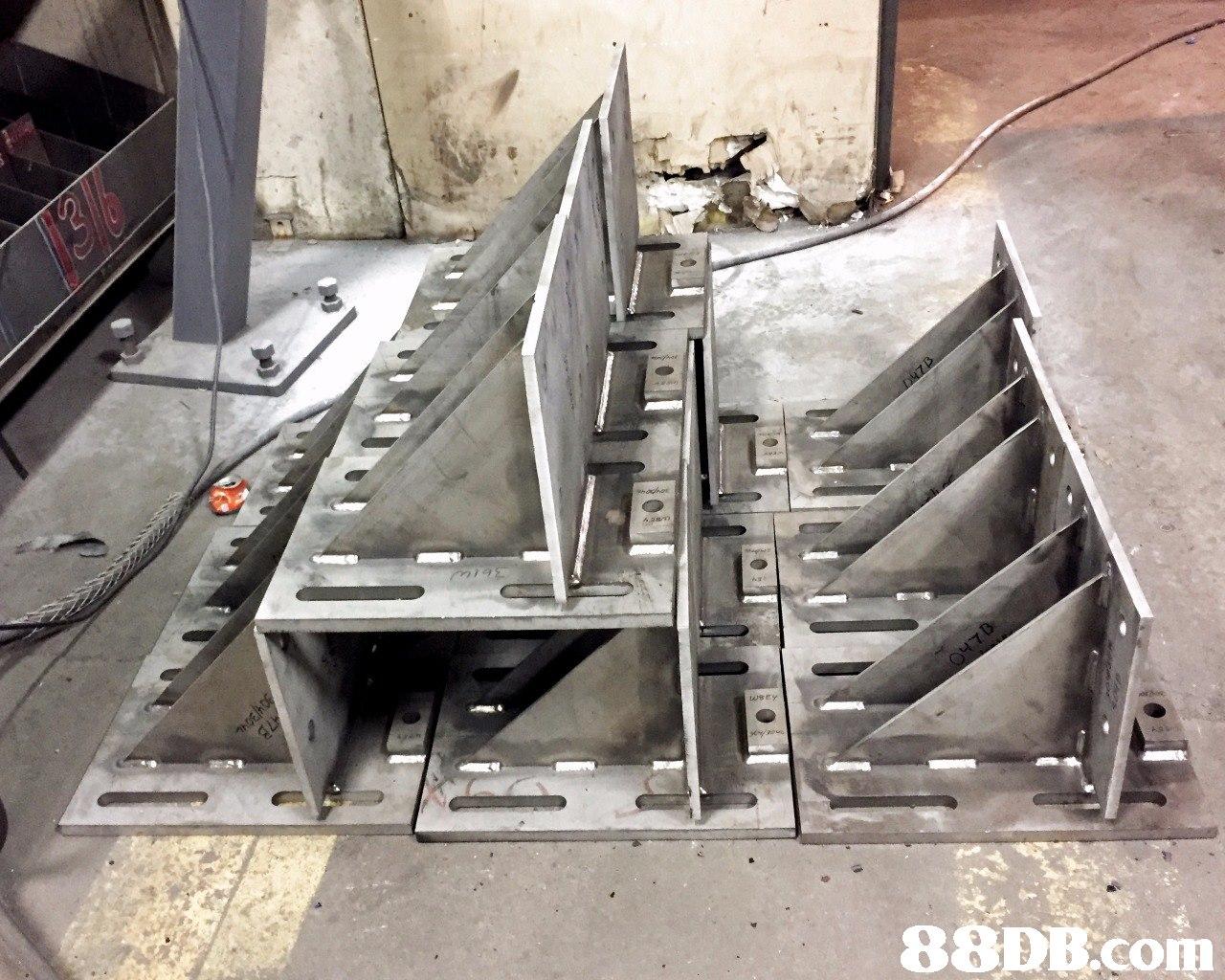 88DE.com  automotive exterior,metal,