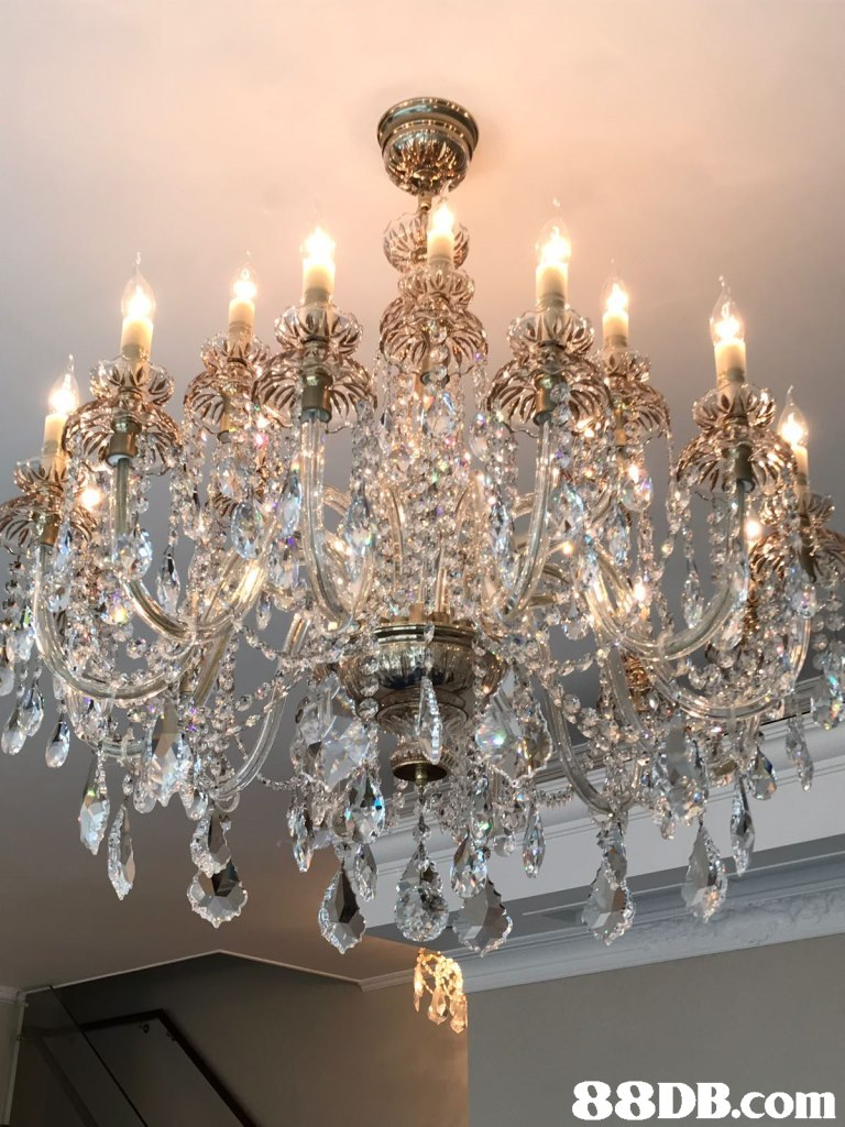 Chandelier,Light fixture,Lighting,Ceiling fixture,Ceiling