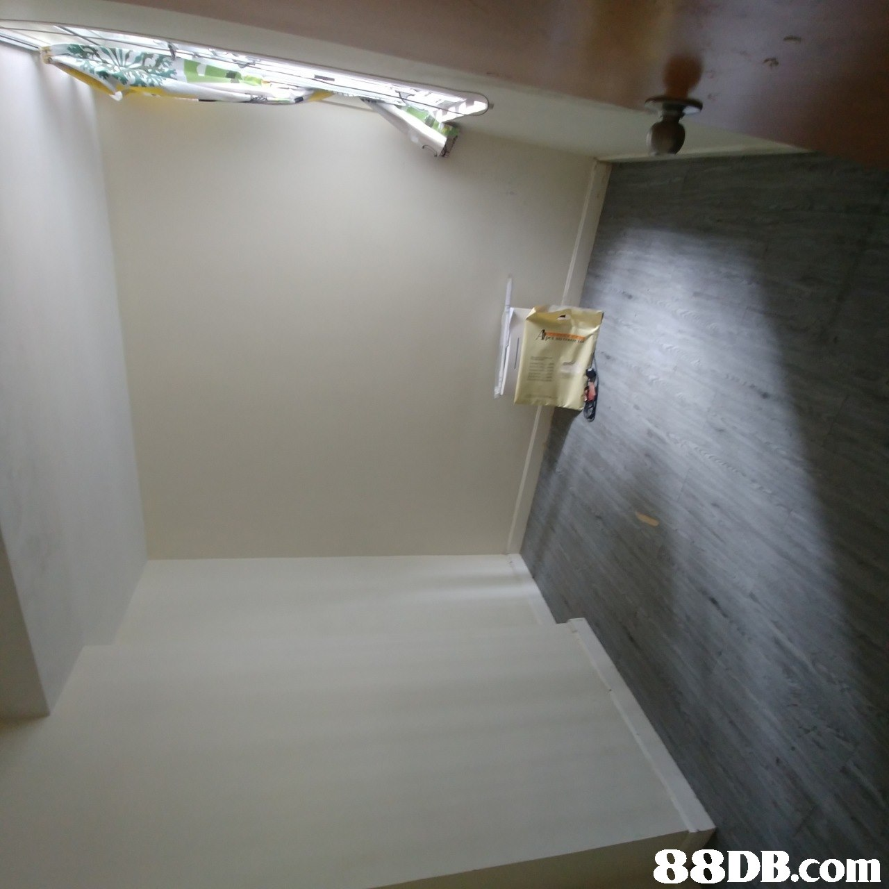 property,room,ceiling,floor,wall