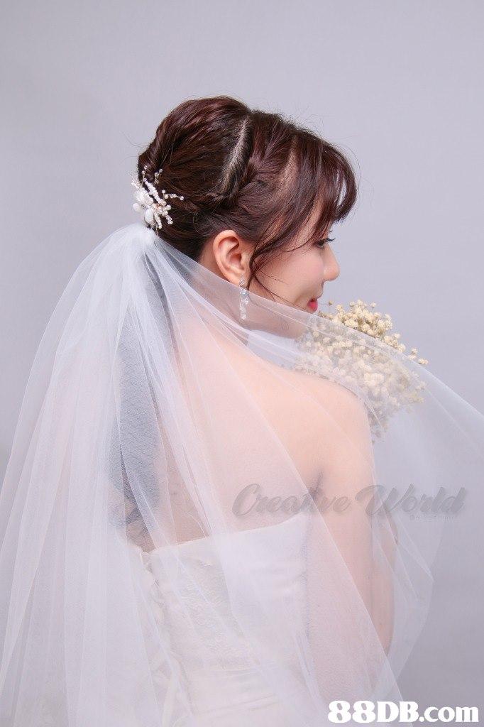 88DB.com  gown