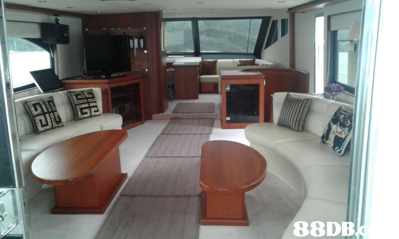 88DB  vehicle,boat,yacht
