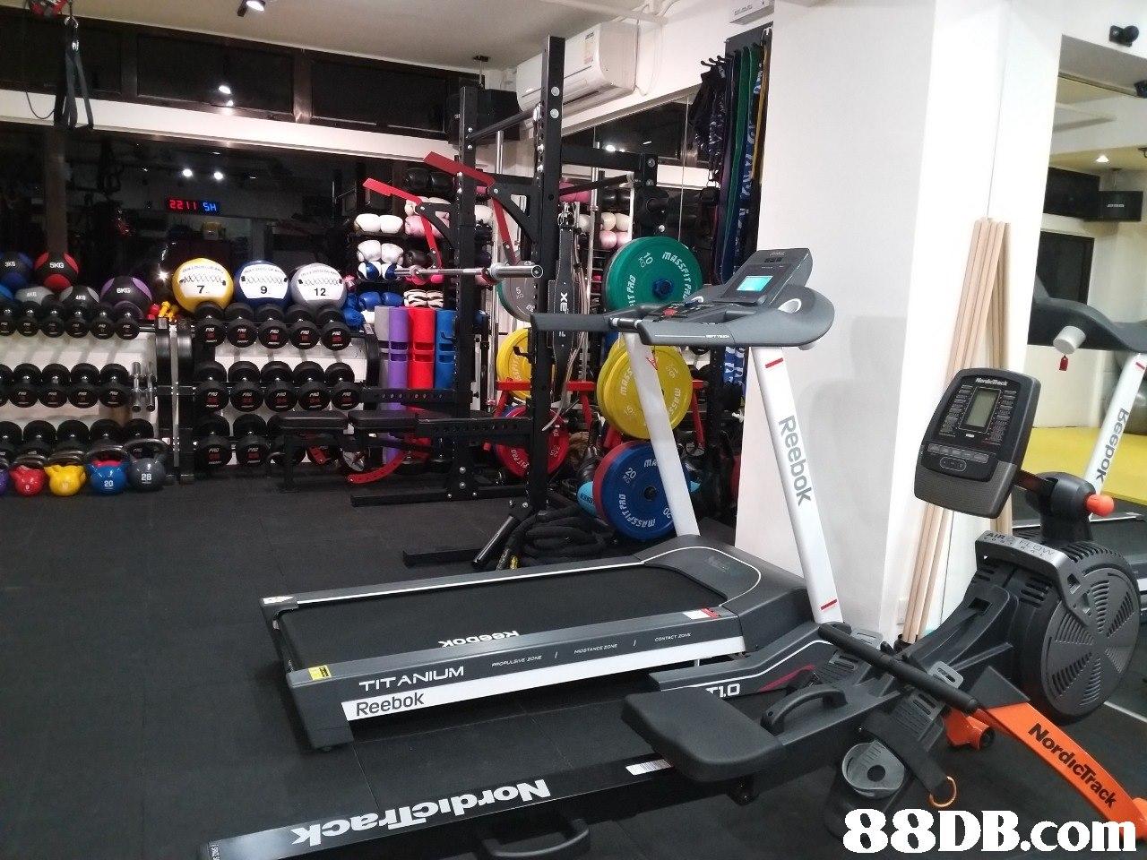 221 SH 12 IL 20 Reebok   gym,structure,room,exercise machine,sport venue