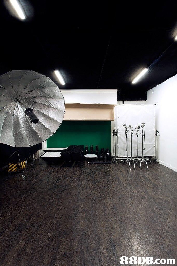 亥 彳:   ceiling,architecture,interior design,lighting,floor