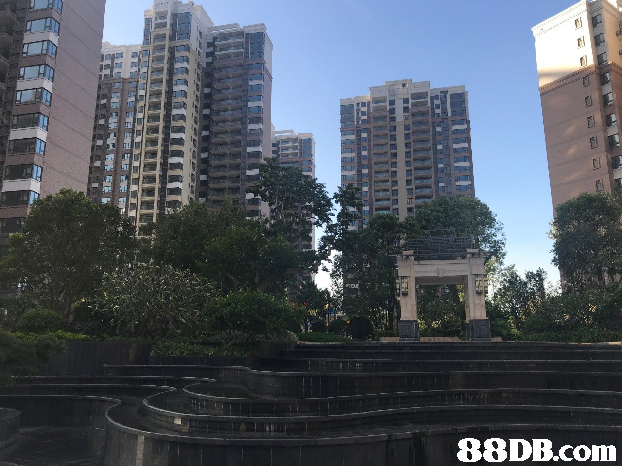 metropolitan area,condominium,building,skyscraper,tower block