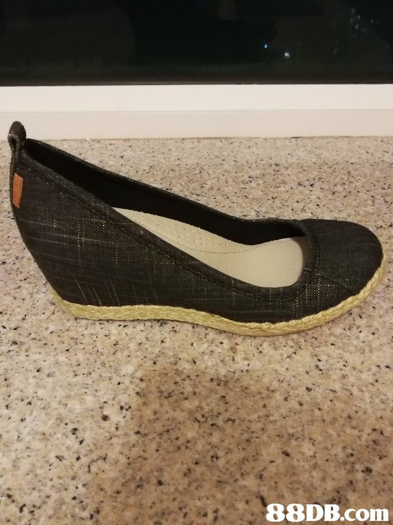 88DB.com  footwear