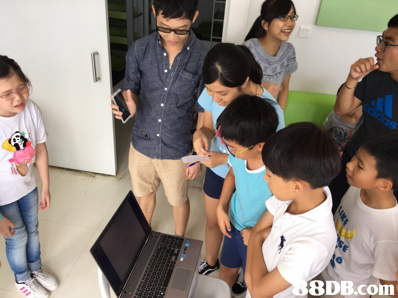 8DB.com  room,education,child,learning,school