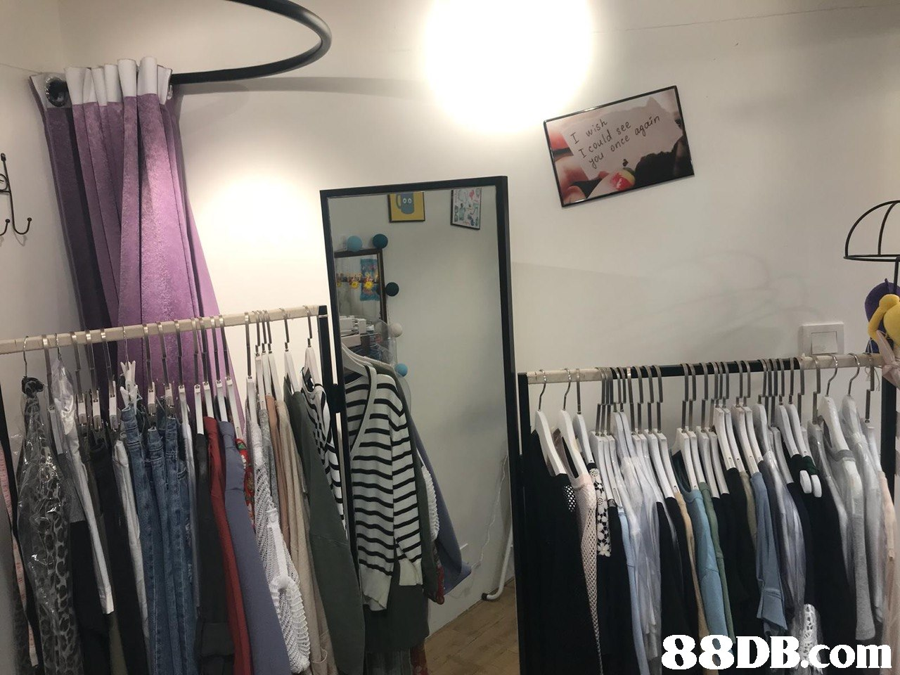 88DBcom  boutique,room,clothes hanger,product
