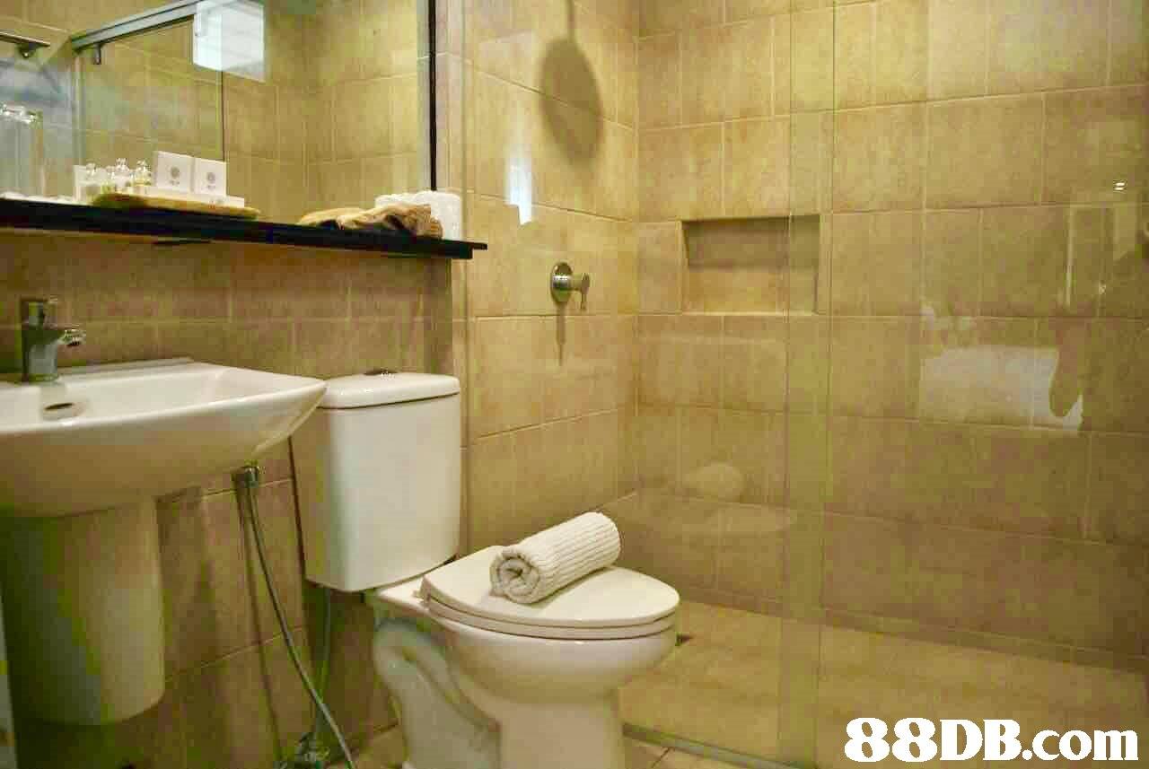 property,bathroom,room,toilet,plumbing fixture