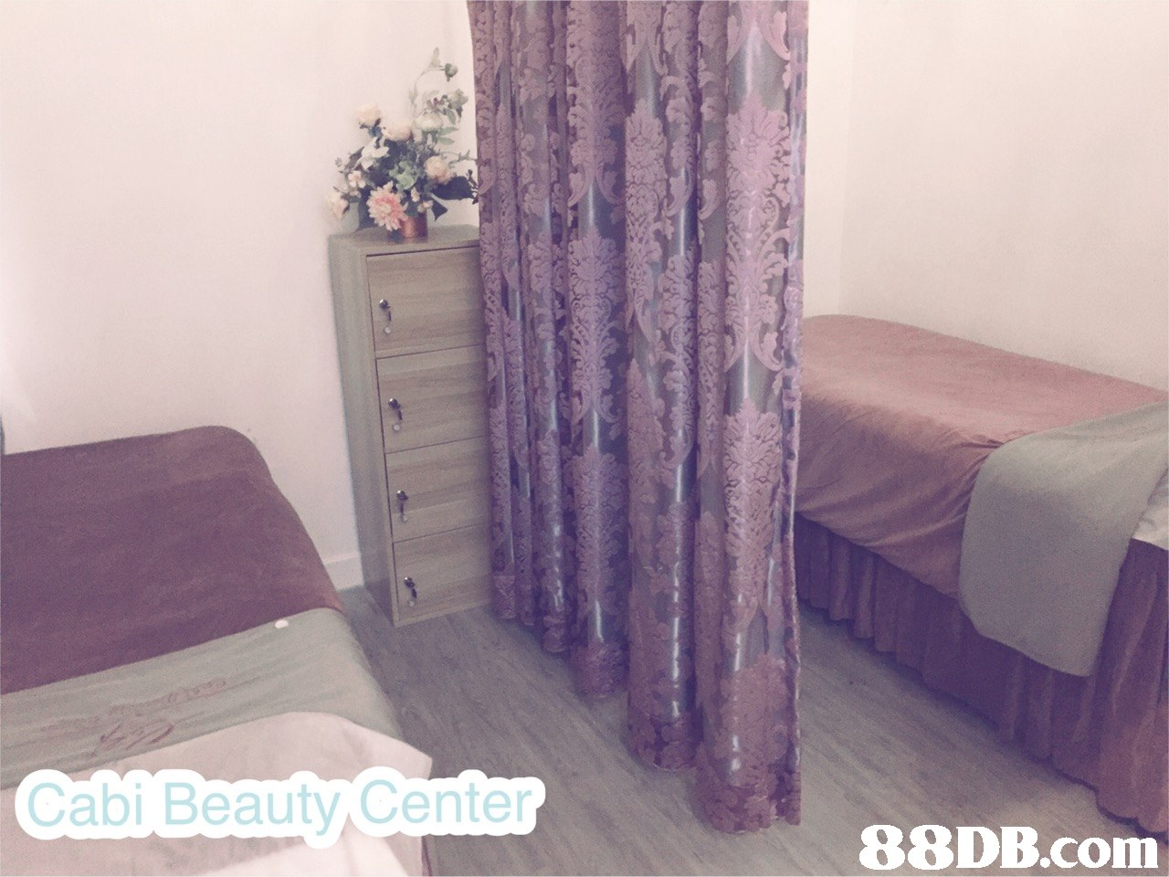 Cabi Beauty Center   purple,property,room,product,textile