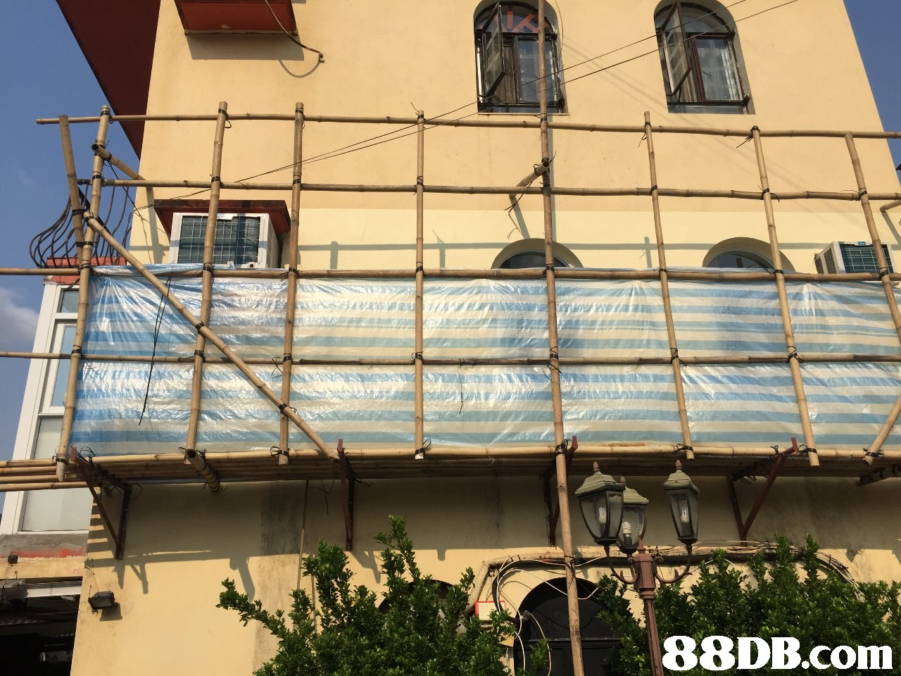 building,residential area,facade,balcony,roof
