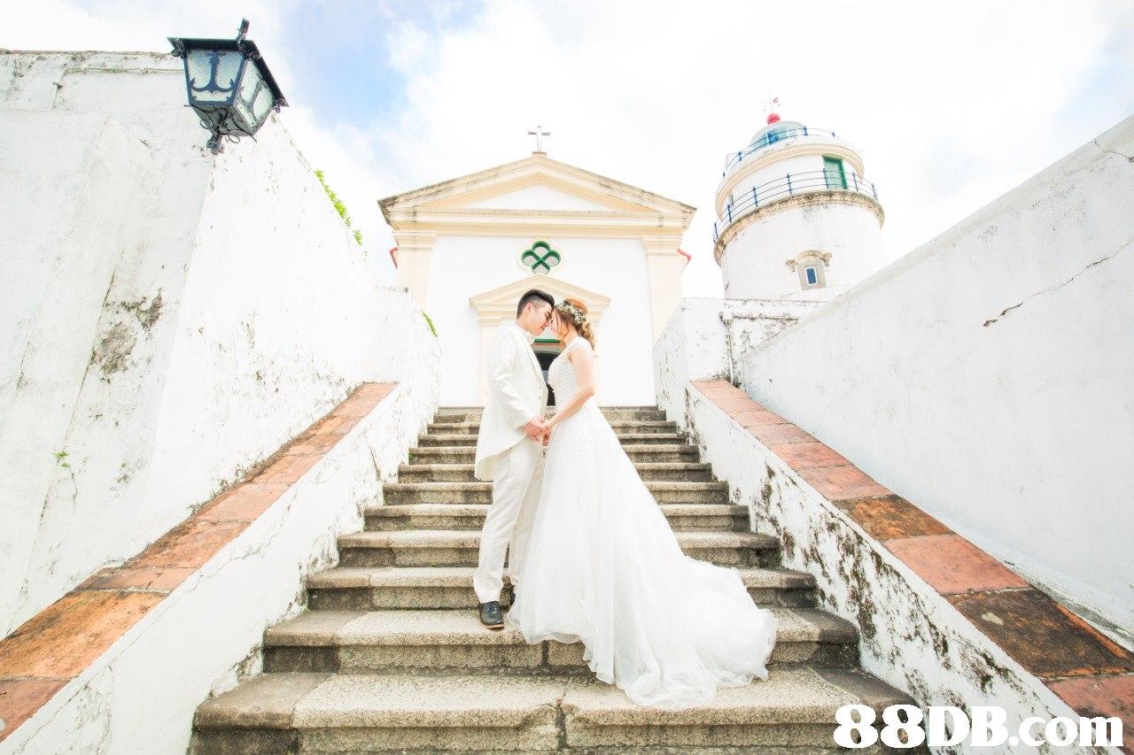 photograph,bride,dress,wedding,gown