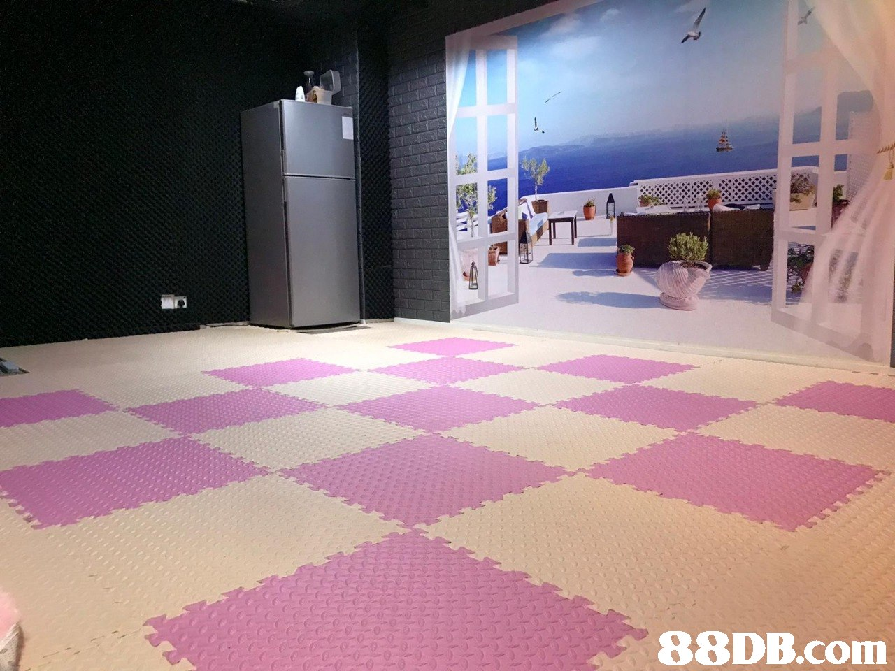 floor,property,flooring,room,purple