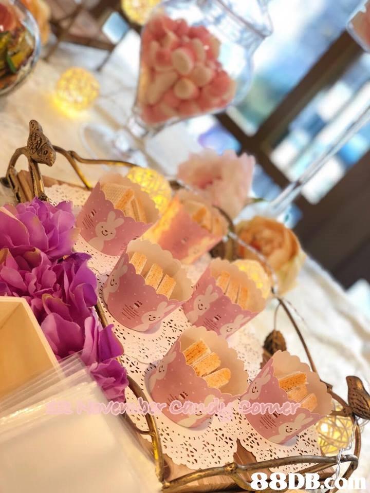 c. 88DB  petit four,dessert,sweetness,finger food,