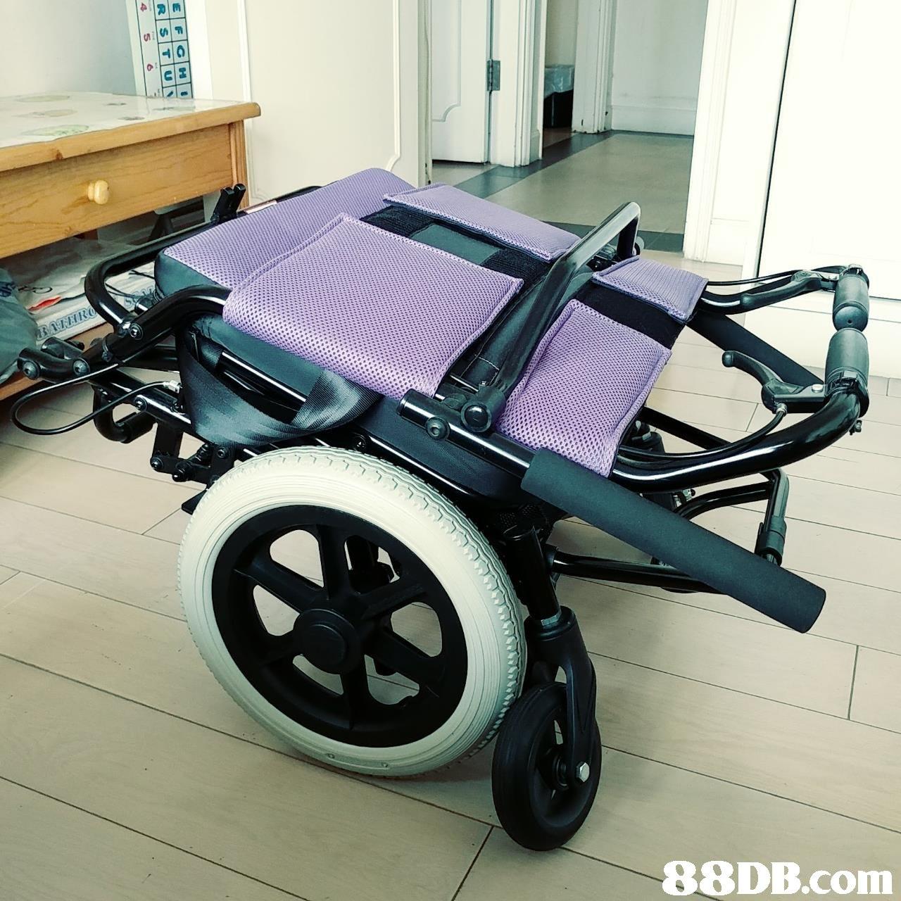 motor vehicle,product,mode of transport,vehicle,wheel