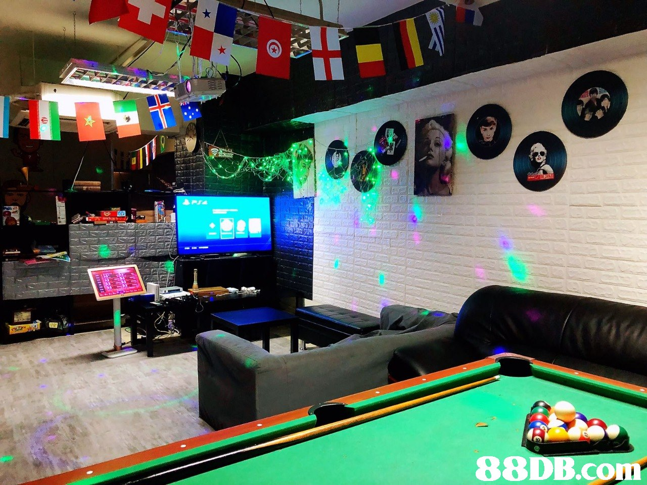 8r 8DB.com,recreation room,billiard room,games,indoor games and sports,display device