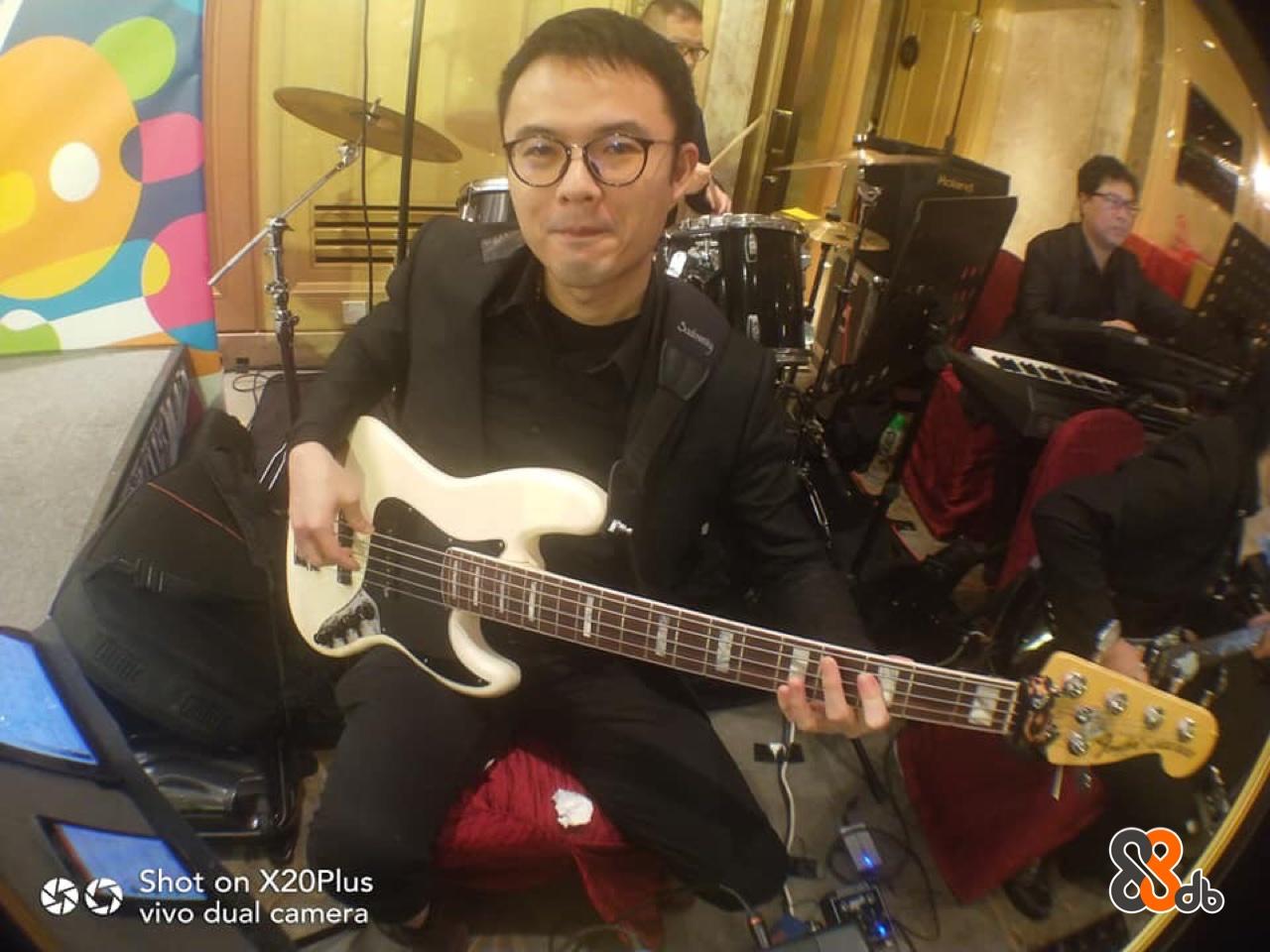 Shot on X20Plus vivo dual camera  guitar,bass guitar,guitarist,string instrument accessory,musician