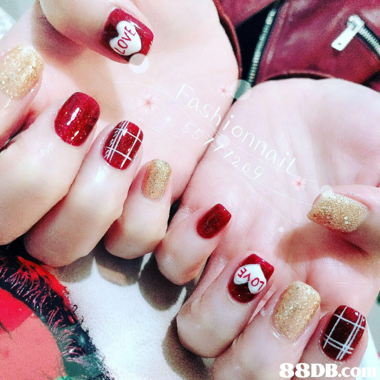 88DB.cq  Nail polish,Manicure,Nail,Nail care,Finger