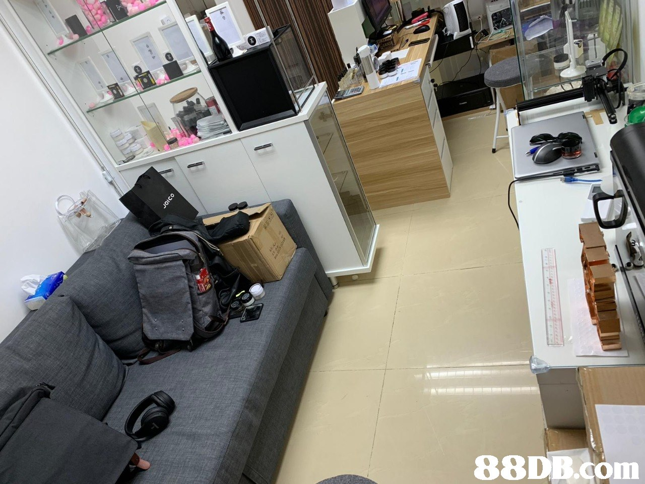 88DB.COm  Property,Room,Floor,Furniture,Building