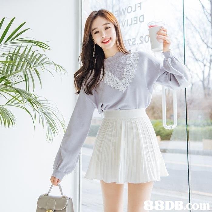 S8DB.om  Clothing,White,Shoulder,Sleeve,Waist