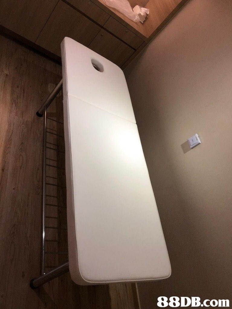 Ceiling,Light,Lighting,Room,