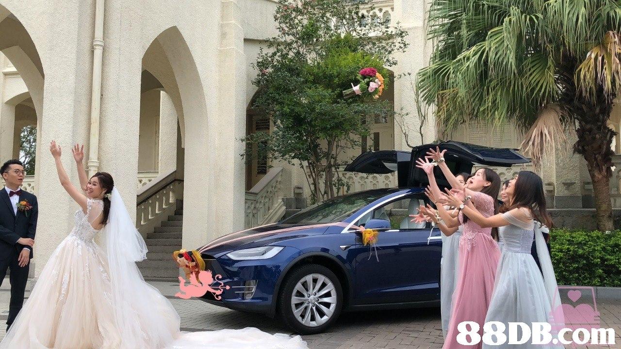 Vehicle,Car,Mid-size car,Luxury vehicle,Family car