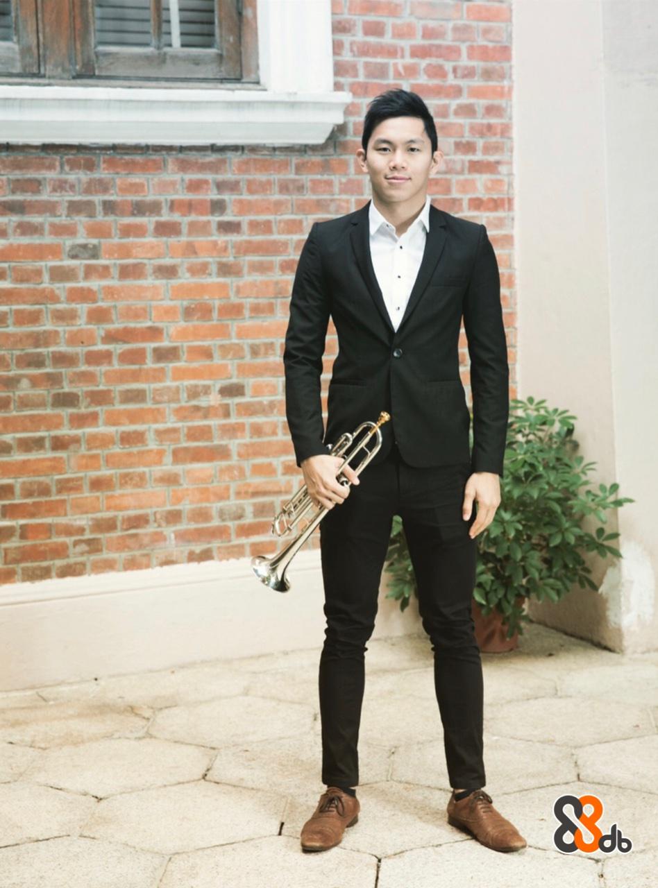 Suit,Clothing,Formal wear,Tuxedo,Gentleman