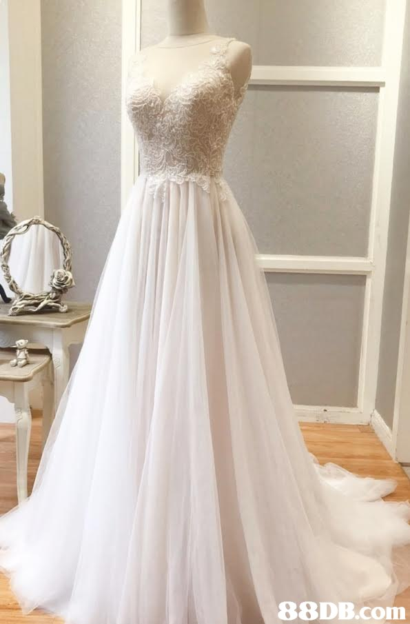 Gown,Wedding dress,Clothing,Dress,Bridal party dress