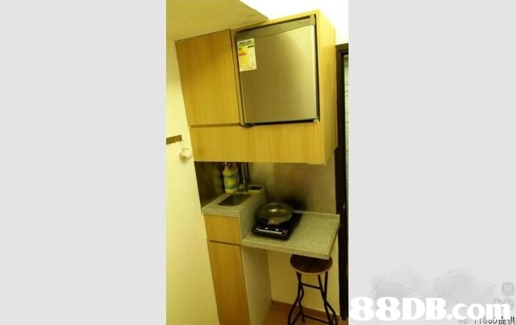 8DB.co 洪  Property,Yellow,Room,Furniture,Shelf