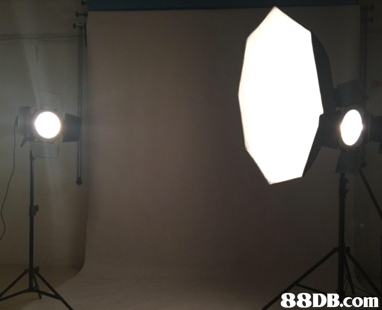 Lighting,Light,Light fixture,Lamp,Lighting accessory
