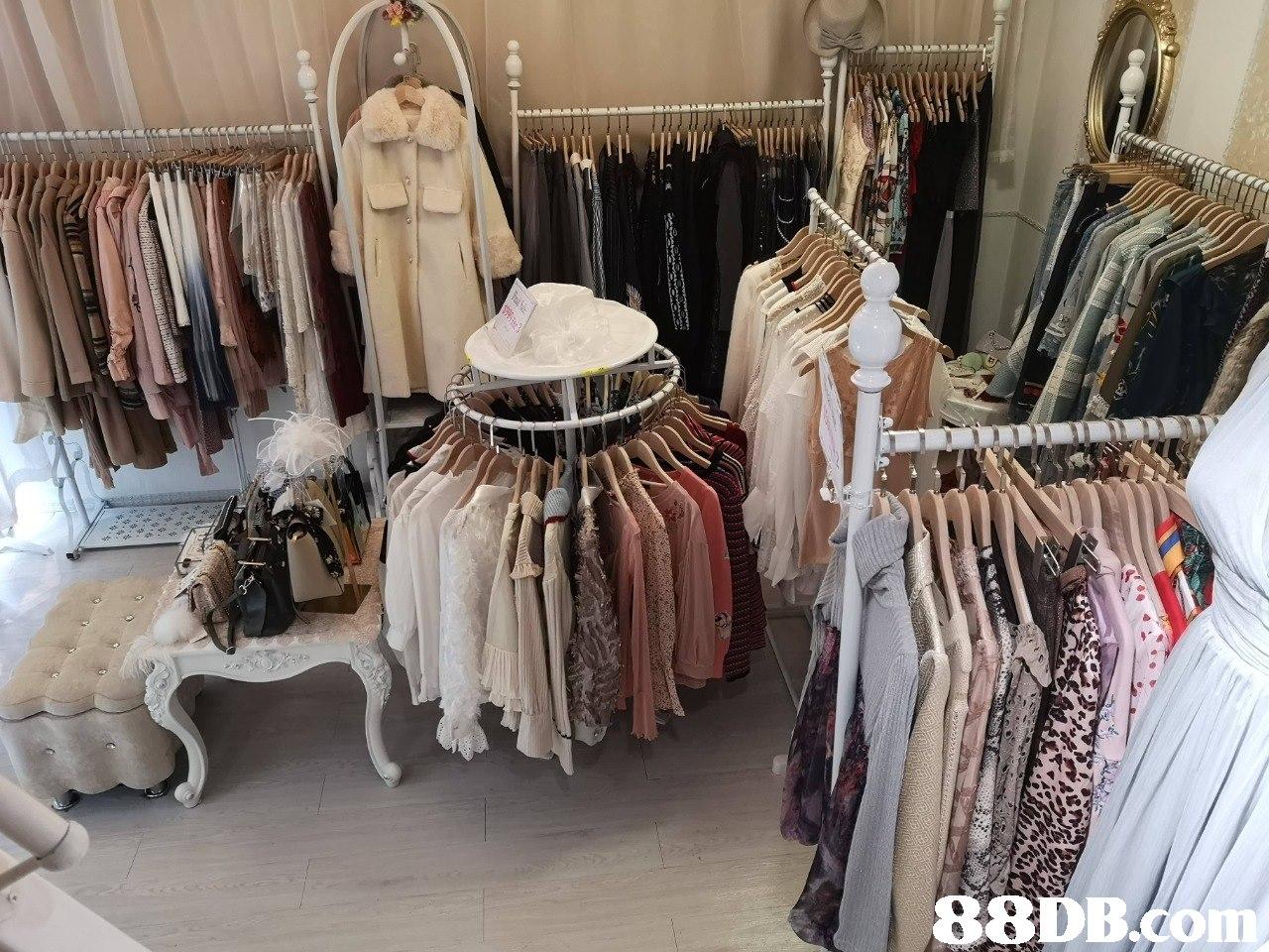 88DB.om  Boutique,Room,Clothes hanger,Textile,Furniture