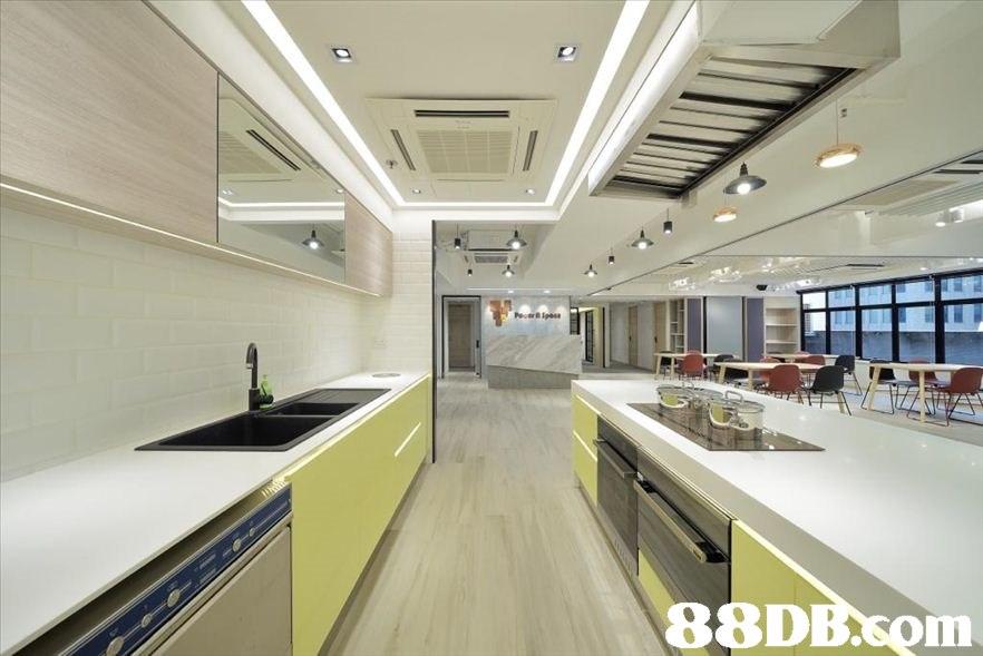 88DBom  Property,Interior design,Building,Room,Ceiling