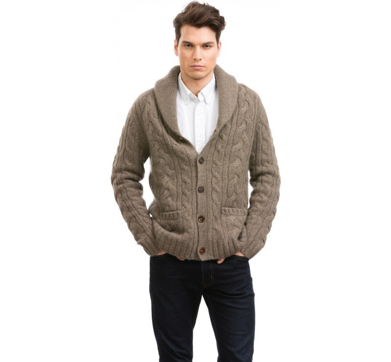 Clothing,Outerwear,Collar,Jacket,Sweater