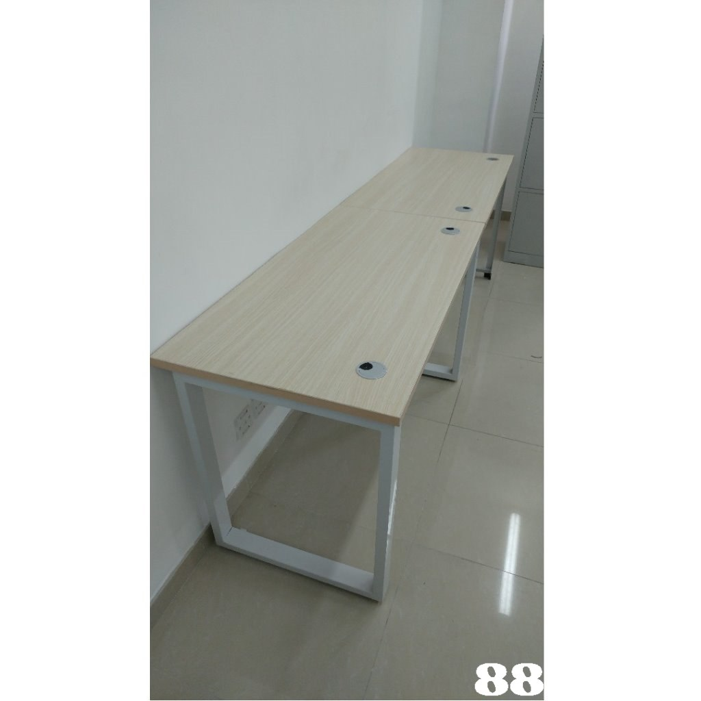 88:  Product,Table,Furniture,Desk,Computer desk